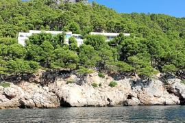 El chalet de Cortina en Formentor se quedará sin agua y electricidad por orden municipal