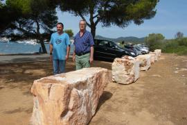 Piedras de gran tonelaje para delimitar el párking de es Babo de Felanitx