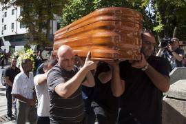 Centenares de personas despiden a Laura y Marina en Cuenca