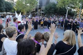 Minuto de silencio en Palma en memoria de las dos víctimas