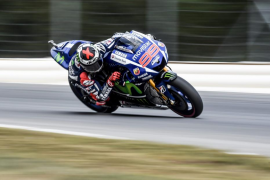 Lorenzo firma la pole en la República Checa a ritmo de récord