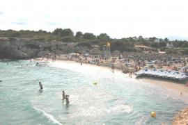 El Govern se compromete a solucionar la degradación de Cales de Mallorca