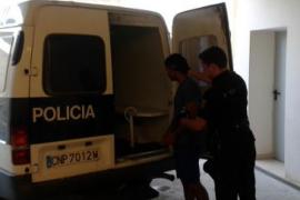 Detenido por intentar arrojar al vacío a su expareja en Eivissa