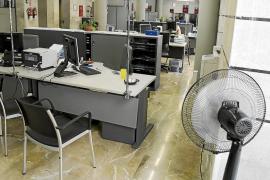 El personal de Cort trabaja a 30 grados y se precisa de 6,2 millones para cambiar los aires acondicionados