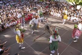 Montuïri se rinde a los bailes de los Cossiers y el Dimoni
