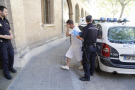 En libertad con cargos el organizador de las macroorgías en un ático de Palma