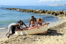 Balears regulará la atención que reciben los inmigrantes que llegan en pateras
