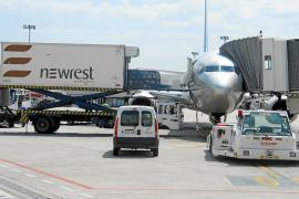 Guerra de precios en el aeropuerto entre los tres operadores de 'handling'