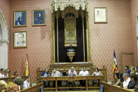 El Consell tarda 20 años en rendir tributo a Guillem d'Efak