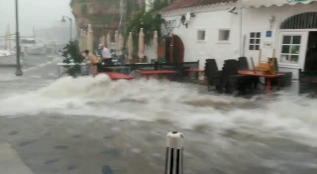 Las tormentas provocan inundaciones y retenciones de tráfico en Menorca