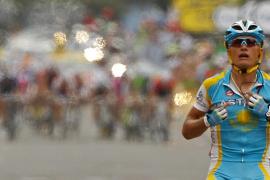 Vinokourov (Astana) se  impone con garra antes de los Pirineos