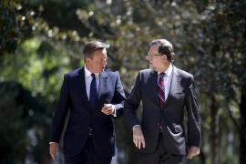 Cameron respalda a Rajoy y sitúa fuera de la UE a una Catalunya independiente