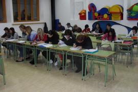 Cort amplía a 82 cursos y 1.206 alumnos la oferta formativa para adultos