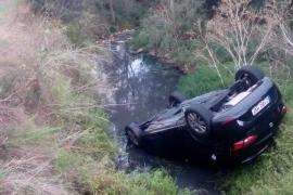 Cae un coche al torrente de Biniali