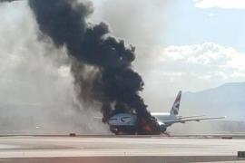 Al menos 13 heridos al incendiarse un avión de pasajeros en el aeropuerto de Las Vegas