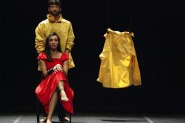 'Travelling to NowHere', un espectáculo onírico en el Teatre Xesc Forteza