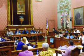 El Consell aprueba la moratoria de grandes superficies comerciales