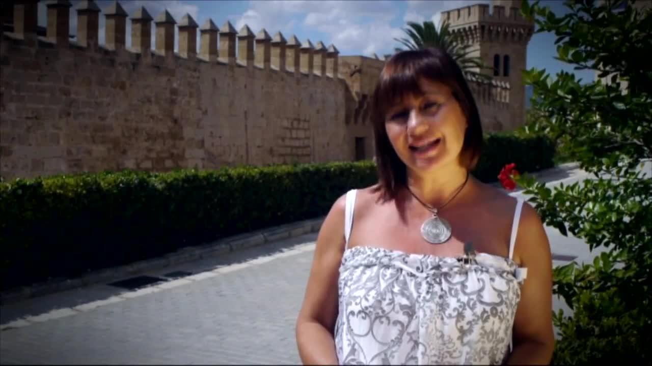 Armengol participa en un vídeo de la campaña electoral catalana