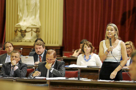 PP y Ciudadanos compiten para que el Parlament vote la «unidad» de España