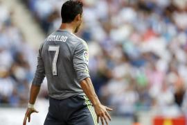 El Real Madrid golea al Espanyol con cinco tantos de Cristiano