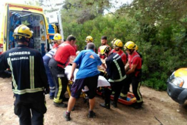Un herido al precipitarse un camión en la carretera entre el Port de Pollença y Formentor