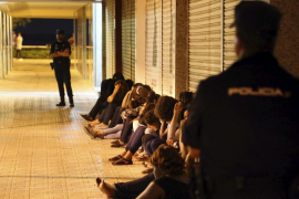 El juez dicta siete órdenes de alejamiento contra prostitutas de la Platja de Palma