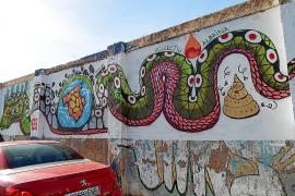 El PP de Sóller acusa al alcalde de promover «un ataque al turismo» con un polémico graffiti