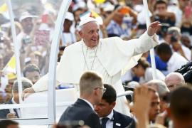 El papa insta a los cubanos a servir «a las personas» y no a las ideas