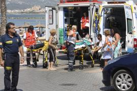 Hospitalizado un bañista que fue rescatado del agua en apuros en la playa de Ciutat Jardí, en Palma