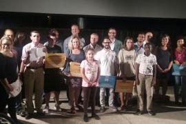 Cort premia a los 16 usuarios más fieles del transporte público