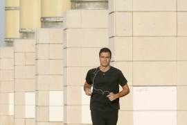 Sánchez arranca el último día de campaña corriendo por el Anillo Olímpico