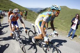 Contador se viste de amarillo