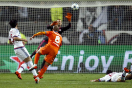 El Valencia retoma el pulso a la Champions gracias a Domenech