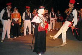 Es Cubells celebra sus fiestas durante todo el mes de octubre