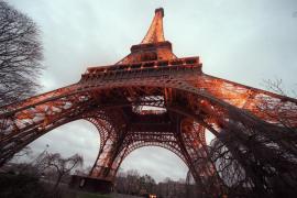 París multa con 68 euros a quien tire colillas en la calle