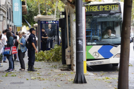 Accidente de un autobús de la EMT en las Avenidas