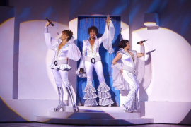 Las pegadizas canciones de Abba regresan a Ciutat con 'Mamma Mia!'