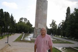 «El monumento es un nexo con el franquismo»