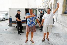 El juez concede la libertad provisional al clan de trileros de 'Los Bustamantes'