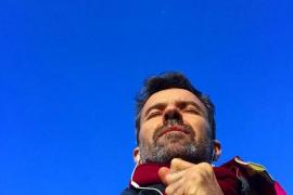 Las redes sociales se vuelcan para apoyar el «mal día» de Pau Donés, para quien «todo vuelve a ser azul»