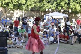 Un centenar de madres reivindican en Palma amamantar y trabajar