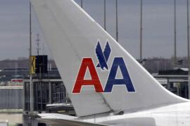 Un piloto de American Airlines fallece en pleno vuelo