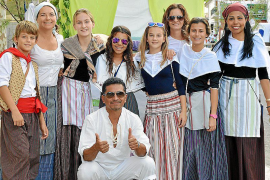 Desfile de carrozas en la Festa del Vi