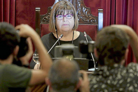 La presidenta del Parlament quiere preguntar a Armengol