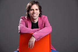 El argentino Nacho Abad ofrece un concierto solidario en el Mar i Terra