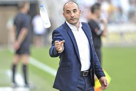 Ferrer avisa que no pueden «volverse locos» ante el Llagostera