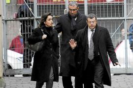 Diego Torres protesta por la exclusión en el juicio  de los correos de la Casa Real