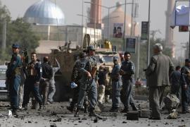 Un muerto y siete heridos en un ataque suicida a tropas extranjeras en Kabul