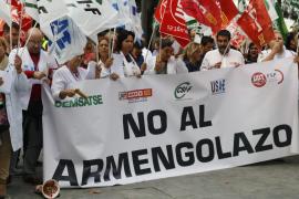 Los sindicatos se concentran ante la Conselleria de Salud por la carrera profesional