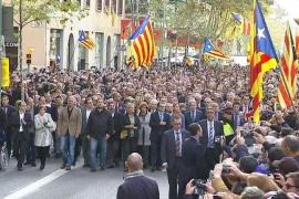 Artur Mas declara ante la justicia arropado por 3.000 personas